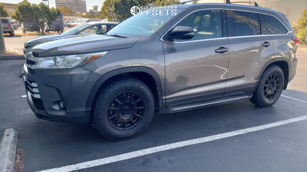 2017 Toyota Highlander Slightly Aggressive on 17x7.5 40 offset Motegi Mr139 & 255/70 Toyo Open Country A/t Iii on Stock Suspension - Custom Offsets Gallery