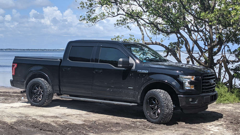 """2016 Ford F-150 Aggressive > 1"""" outside fender on 20x10 -18 offset Fuel Hammer & 275/55 Nitto Recon Grappler A/t on Leveling Kit - Custom Offsets Gallery"""