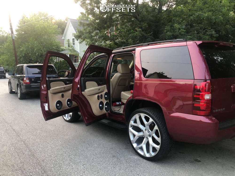 """2007 Chevrolet Tahoe Aggressive > 1"""" outside fender on 26x10.5 6.35 offset Azad Strada & 26""""x10.5"""" Lionhart All Season on Stock Suspension - Custom Offsets Gallery"""