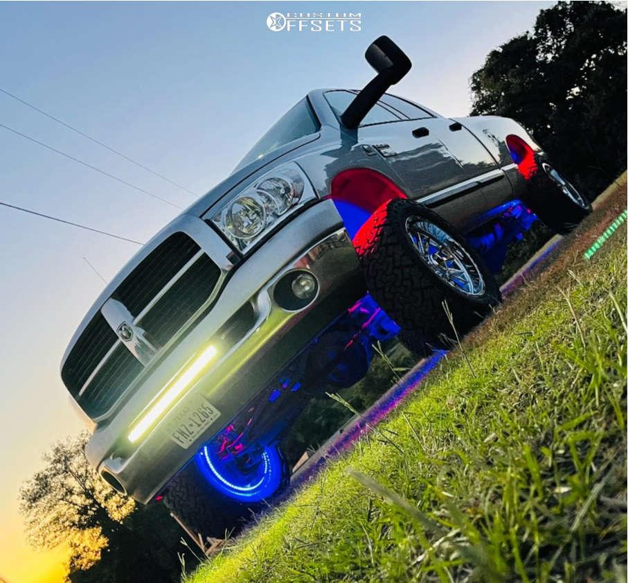 """2007 Dodge Ram 2500 Aggressive > 1"""" outside fender on 20x10 -19 offset TIS 547c & 33""""x12.5"""" Venom Power Terra Hunter X/t on Leveling Kit - Custom Offsets Gallery"""