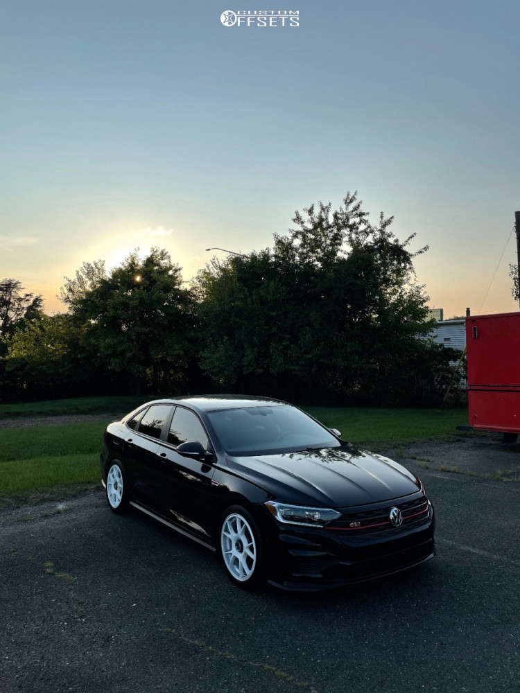 2019 Volkswagen Jetta Nearly Flush on 18x8.5 45 offset Fifteen52 Comp & 245/40 Michelin Pilot Sport A/s 4 on Coilovers - Custom Offsets Gallery