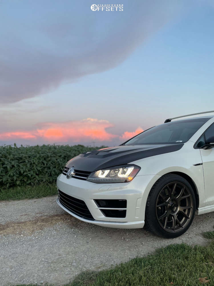 2016 Volkswagen Golf R Nearly Flush on 18x8.5 43 offset Konig Ampliform & 235/40 Continental Extreme Contact Dws06 on Stock Suspension - Custom Offsets Gallery