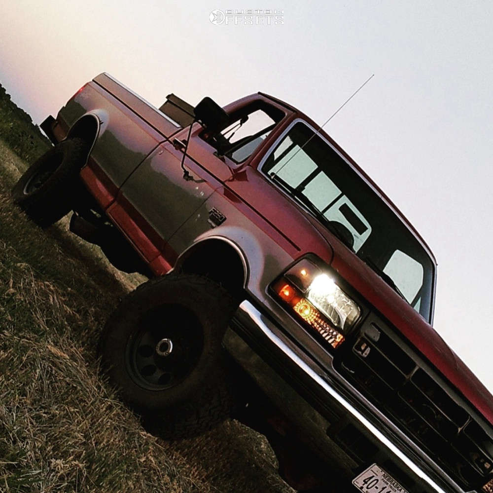 """1997 Ford F-250 Aggressive > 1"""" outside fender on 16x9 0 offset Mickey Thompson Classic & 31""""x9.5"""" Venom Power Terra Hunter Mt on Stock Suspension - Custom Offsets Gallery"""