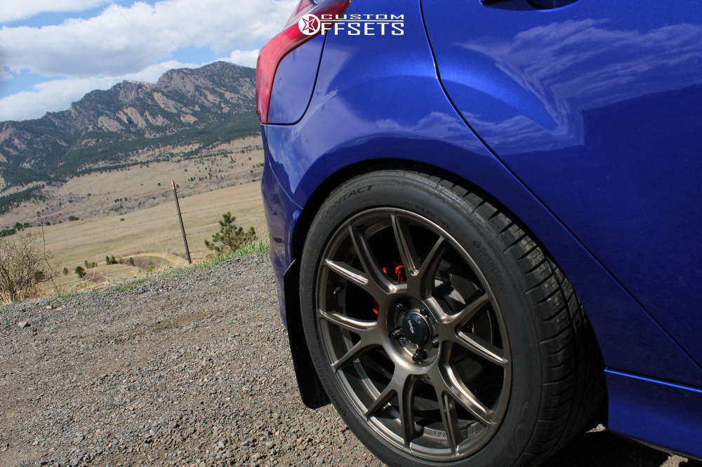 2014 Ford Focus Flush on 18x8.5 43 offset Konig Ampliform & 255/35 Continental Extreme Contact Sport on Coilovers - Custom Offsets Gallery