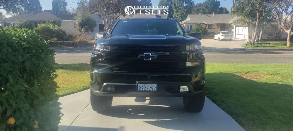 "2019 Chevrolet Silverado 1500 Aggressive > 1"" outside fender on 18x9 0 offset 4Play Sport 4ps50 & 295/70 Falken Wildpeak At3w on Suspension Lift 3.5"" - Custom Offsets Gallery"
