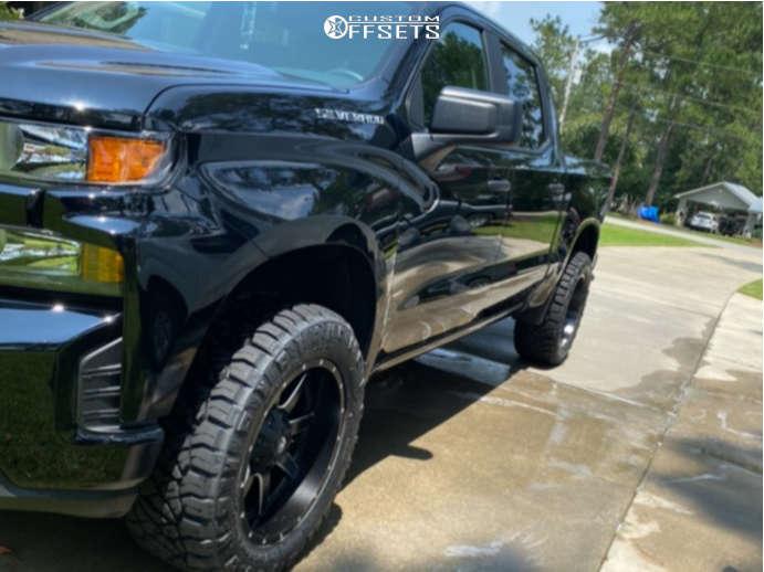 "2021 Chevrolet Silverado 1500 Aggressive > 1"" outside fender on 20x10 -24 offset Fuel Maverick & 33""x12.5"" Nitto Ridge Grappler on Leveling Kit - Custom Offsets Gallery"