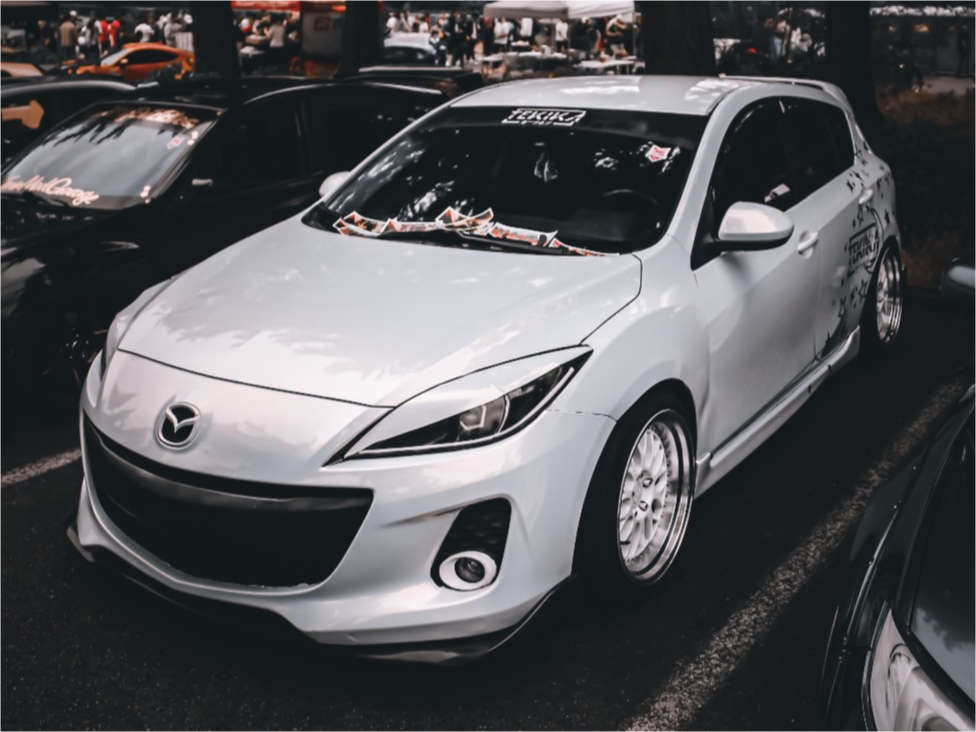 2013 Mazda 3 Nearly Flush on 18x9.5 35 offset ESR Sr01 & 245/45 Federal All Season on Coilovers - Custom Offsets Gallery