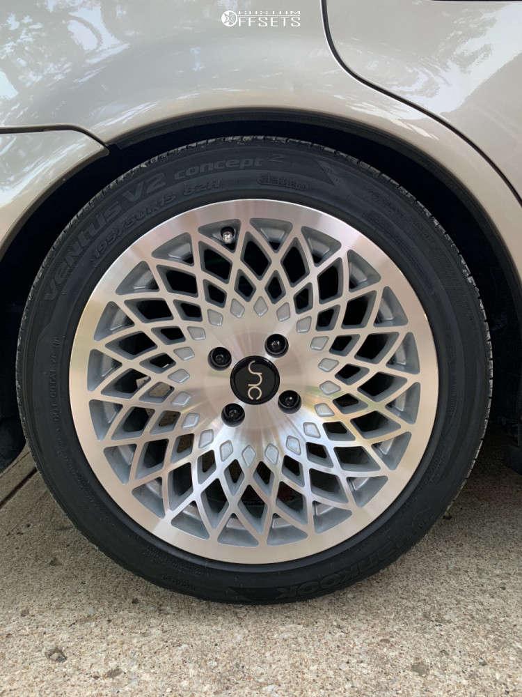 2000 Honda Civic Flush on 15x8 25 offset Jnc Jnc043 & 195/50 Hankook Ventus V2 Concept 2 on Coilovers - Custom Offsets Gallery