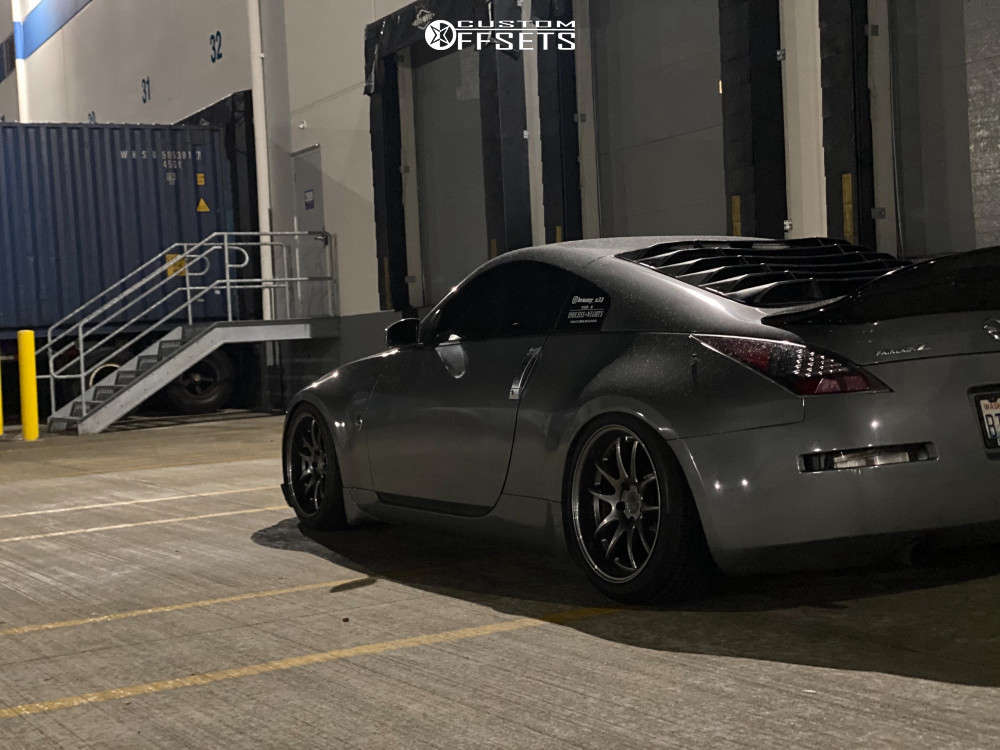 2003 Nissan 350Z Tucked on 18x9.5 15 offset Aodhan Ds02 & 245/40 Continental Sport on Coilovers - Custom Offsets Gallery