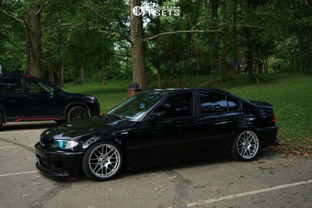 2004 BMW 325i Nearly Flush on 18x8.5 38 offset VMR V703 & 215/40 Delinte D7 Thunder on Coilovers - Custom Offsets Gallery