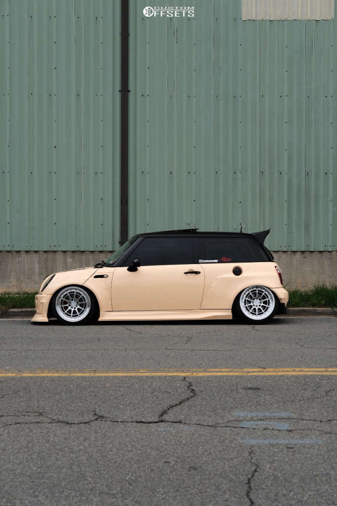 2004 Mini Cooper Tucked on 17x9 25 offset Aodhan Ah04 & 215/45 Nankang Ns-20 on Air Suspension - Custom Offsets Gallery