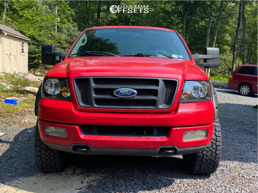 """2004 Ford F-150 Aggressive > 1"""" outside fender on 20x9 -24 offset XD Buck & 33""""x12.5"""" Toyo Open Country A/t Iii on Leveling Kit - Custom Offsets Gallery"""