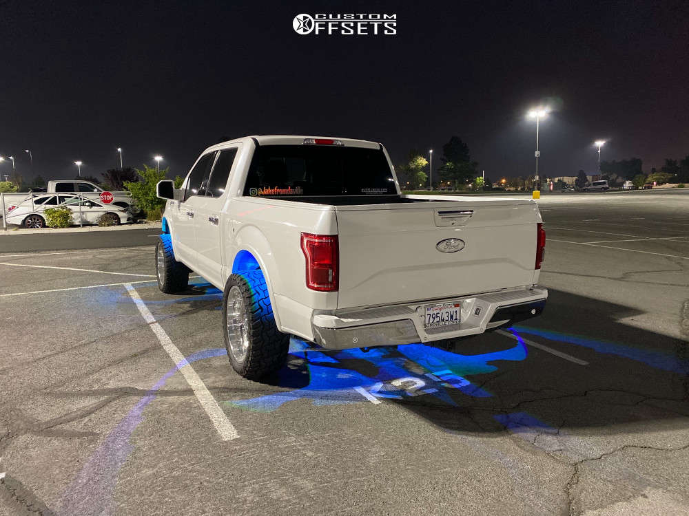"""2015 Ford F-150 Aggressive > 1"""" outside fender on 22x10 -35 offset American Force Lift Ss & 33""""x12.5"""" Supermax R/t on Suspension Lift 3.5"""" - Custom Offsets Gallery"""