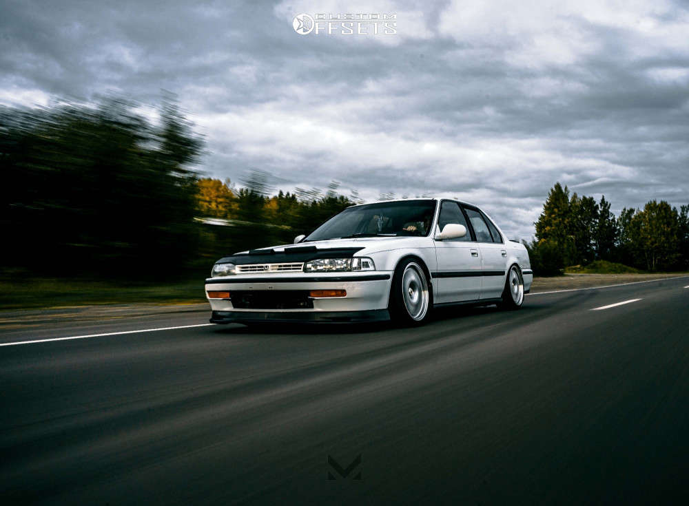 1992 Honda Accord Nearly Flush on 17x8 25 offset XXR 531 & 205/40 Vercelli Strada II on Coilovers - Custom Offsets Gallery
