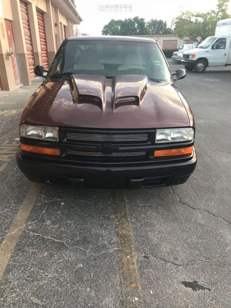 """1998 Chevrolet S10 Aggressive > 1"""" outside fender on 15x5 0 offset Weld Racing Classic & 185/50 Starfire Hoosier Drag Front on Lowered on Springs - Custom Offsets Gallery"""