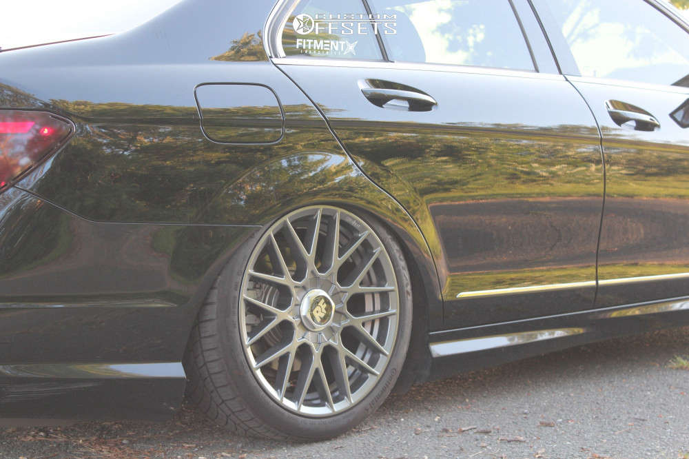 2014 Mercedes-Benz C300 Nearly Flush on 18x8.5 35 offset Rotiform Rse & 225/40 Continental Extremecontact Dws06 Plus on Air Suspension - Custom Offsets Gallery