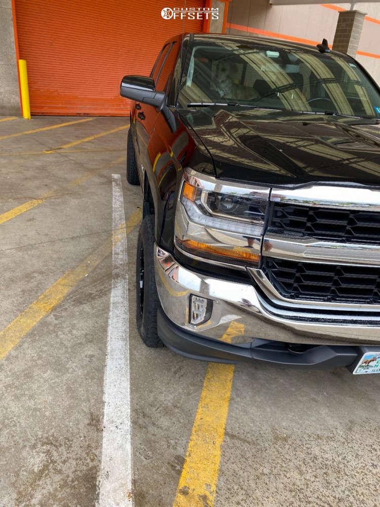 "2018 Chevrolet Silverado 1500 Aggressive > 1"" outside fender on 17x10 -12 offset Moto Metal Mo970 & 285/10.5 Nitto Terra Grappler G2 on Leveling Kit - Custom Offsets Gallery"