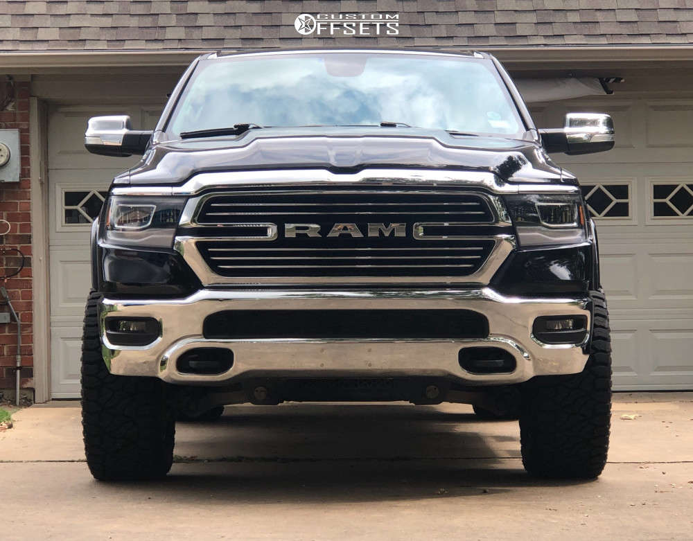"""2020 Ram 1500 Aggressive > 1"""" outside fender on 20x10 -24 offset Wicked Offroad W909 & 35""""x12.5"""" Venom Power Terra Hunter R/t Plus on Leveling Kit - Custom Offsets Gallery"""