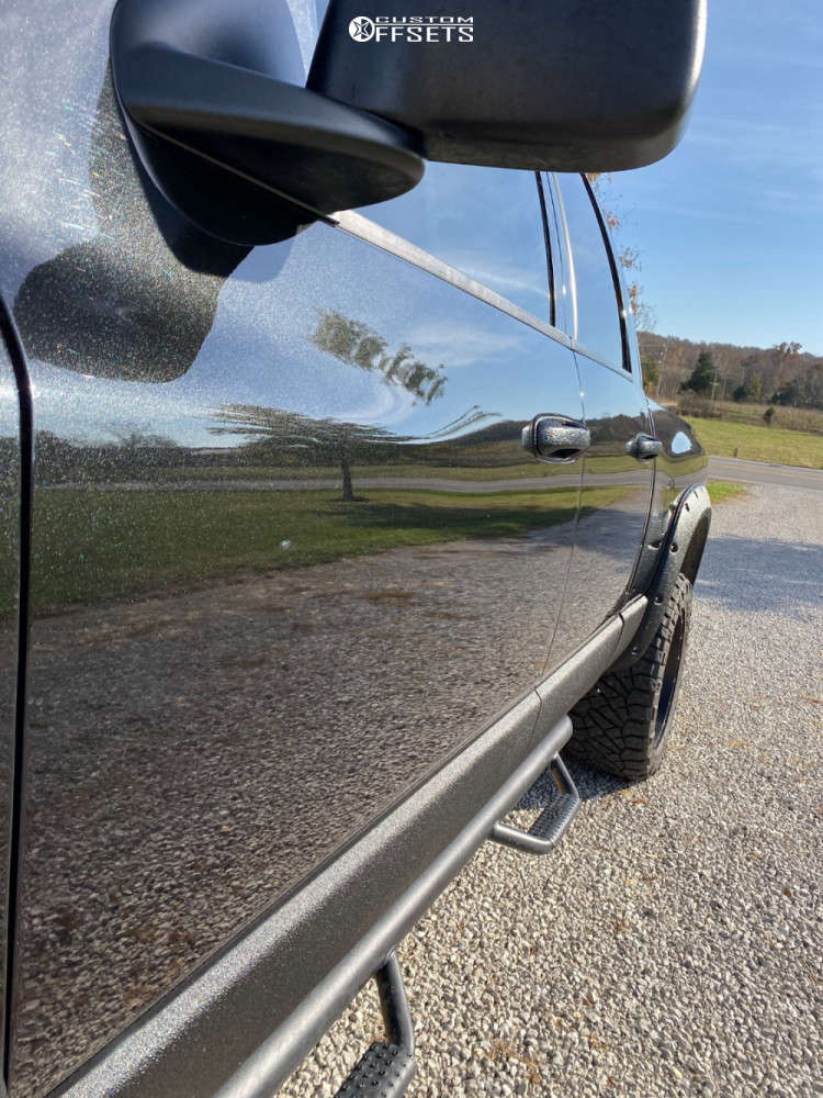 "2007 Dodge Ram 1500 Aggressive > 1"" outside fender on 20x10 -24 offset Fuel Krank & 33""x12.5"" Nitto Ridge Grappler on Leveling Kit - Custom Offsets Gallery"