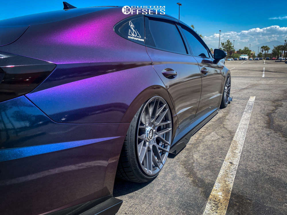2020 Hyundai Sonata Flush on 19x8.5 35 offset Rotiform Rse & 225/40 Continental Extremecontact Dws06 Plus on Air Suspension - Custom Offsets Gallery