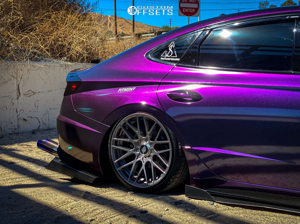 2020 Hyundai Sonata Flush on 19x8.5 40 offset Rotiform Rse & 225/35 Continental Extremecontact Dws06 Plus on Air Suspension - Custom Offsets Gallery
