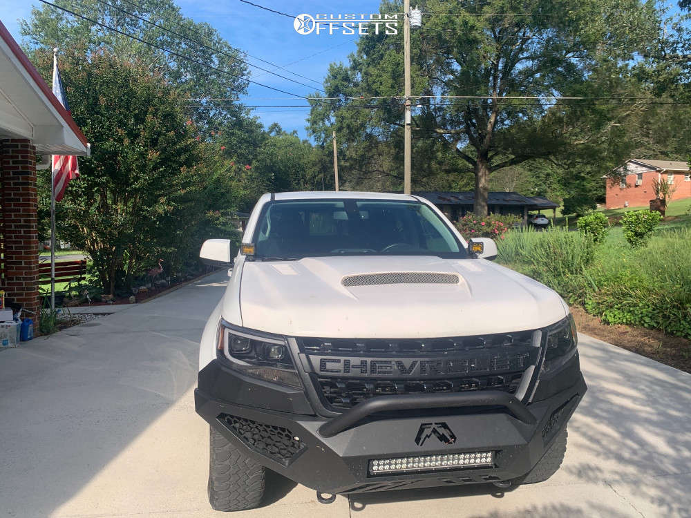 """2019 Chevrolet Colorado Aggressive > 1"""" outside fender on 19x10.5 -6.35 offset Reps Snowflakes & 27""""x10.5"""" BFGoodrich Mud Terrain on Leveling Kit - Custom Offsets Gallery"""