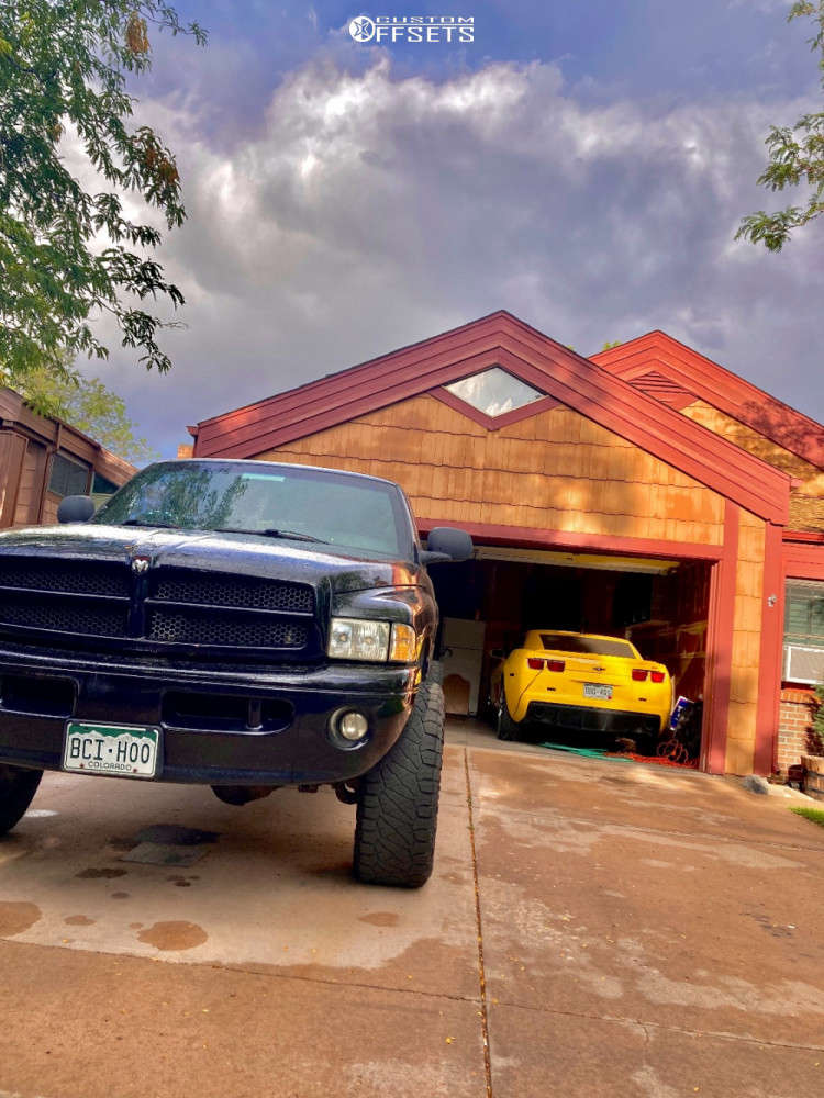 """2001 Dodge Ram 2500 Aggressive > 1"""" outside fender on 18x8.5 -14 offset Fuel Krank & 35""""x12.5"""" Nitto Ridge Grapplers on Stock Suspension - Custom Offsets Gallery"""