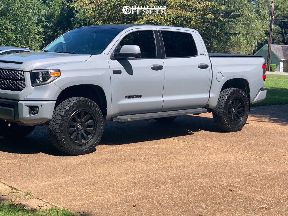 """2019 Toyota Tundra Aggressive > 1"""" outside fender on 20x9 31.75 offset Fuel Tactic & 35""""x12.5"""" Nitto Ridge Grappler on Suspension Lift 3"""" - Custom Offsets Gallery"""