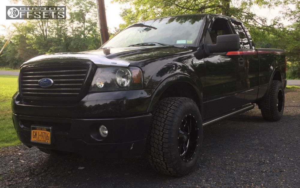 """2006 Ford F-150 Aggressive > 1"""" outside fender on 18x10 -24 offset Moto Metal MO962 & 285/65 Nitto Terra Grappler G2 on Stock - Custom Offsets Gallery"""