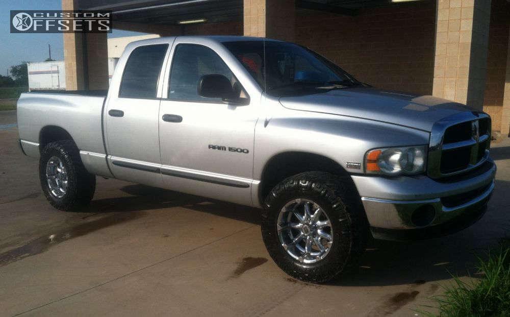"2005 Dodge Ram 1500 Aggressive > 1"" outside fender on 18x9 -12 offset XD Badlands and 33""x12.5"" Nitto Terra Grappler G2 on Leveling Kit - Custom Offsets Gallery"