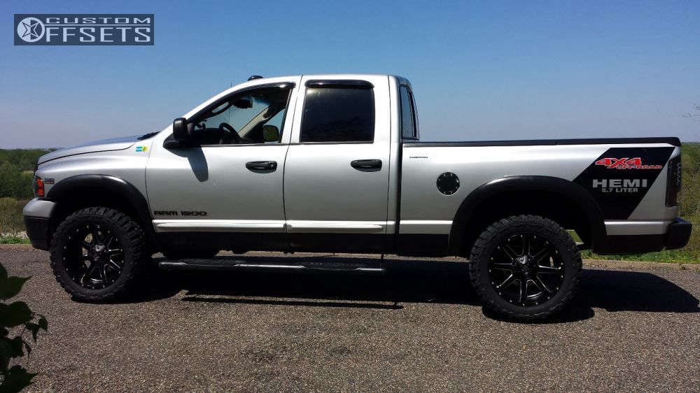 """2003 Dodge Ram 1500 Super Aggressive 3""""-5"""" on 20x10 -24 offset Fuel Maverick and 33""""x12.5"""" Federal Couragia Mt on Leveling Kit - Custom Offsets Gallery"""