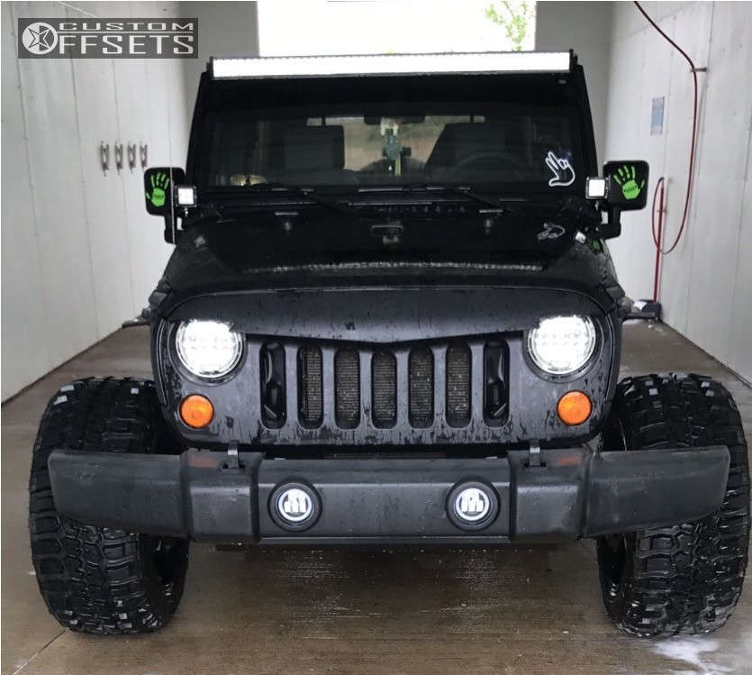 """2007 Jeep Wrangler Aggressive > 1"""" outside fender on 20x12 -44 offset Fuel Hostage and 33""""x12.5"""" Federal Couragia Mt on Stock Suspension - Custom Offsets Gallery"""