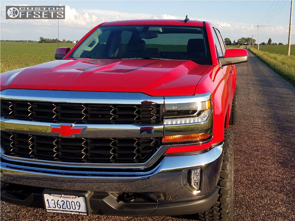 """2016 Chevrolet Silverado 1500 Aggressive > 1"""" outside fender on 20x10 -24 offset Havok H109 and 33""""x12.5"""" Ironman All Country Mt on Leveling Kit - Custom Offsets Gallery"""