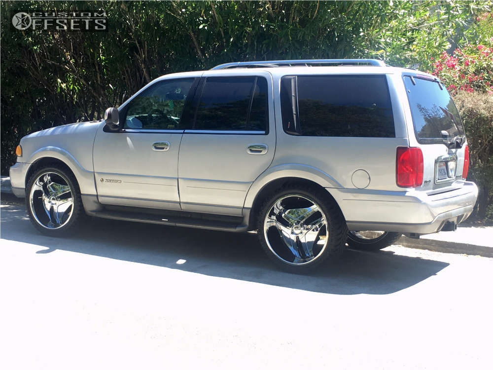 1999 Lincoln Navigator Flush on 24x9.5 10 offset Helo He849 and 285/40 Atturo Trail Blade Xt on Stock Suspension - Custom Offsets Gallery