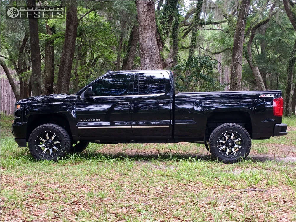 """2016 Chevrolet Silverado 1500 Aggressive > 1"""" outside fender on 20x10 -24 offset Fuel Nutz & 33""""x12.5"""" Nitto Trail Grappler on Stock Suspension - Custom Offsets Gallery"""