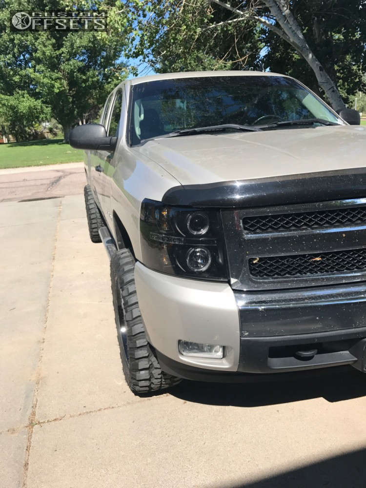 """2007 Chevrolet Silverado 1500 Super Aggressive 3""""-5"""" on 20x10 -24 offset Havok H109 and 33""""x12.5"""" Federal Couragia MT on Leveling Kit - Custom Offsets Gallery"""