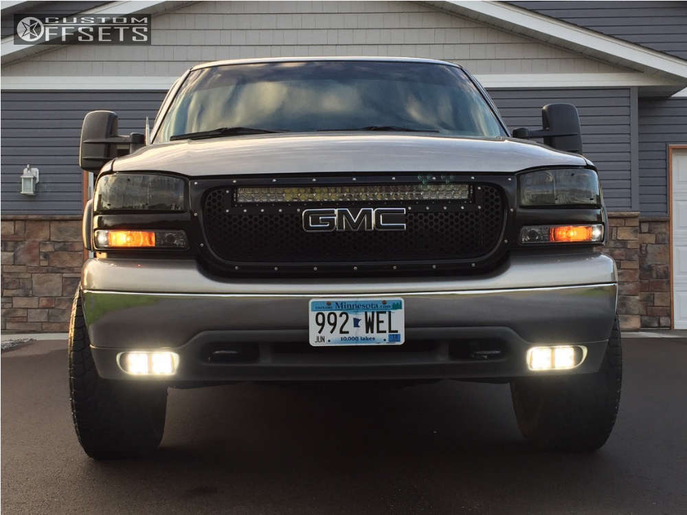 """2001 GMC Yukon Aggressive > 1"""" outside fender on 18x9 0 offset Xd Xd775 and 275/65 Pathfinder All Terrain on Leveling Kit - Custom Offsets Gallery"""