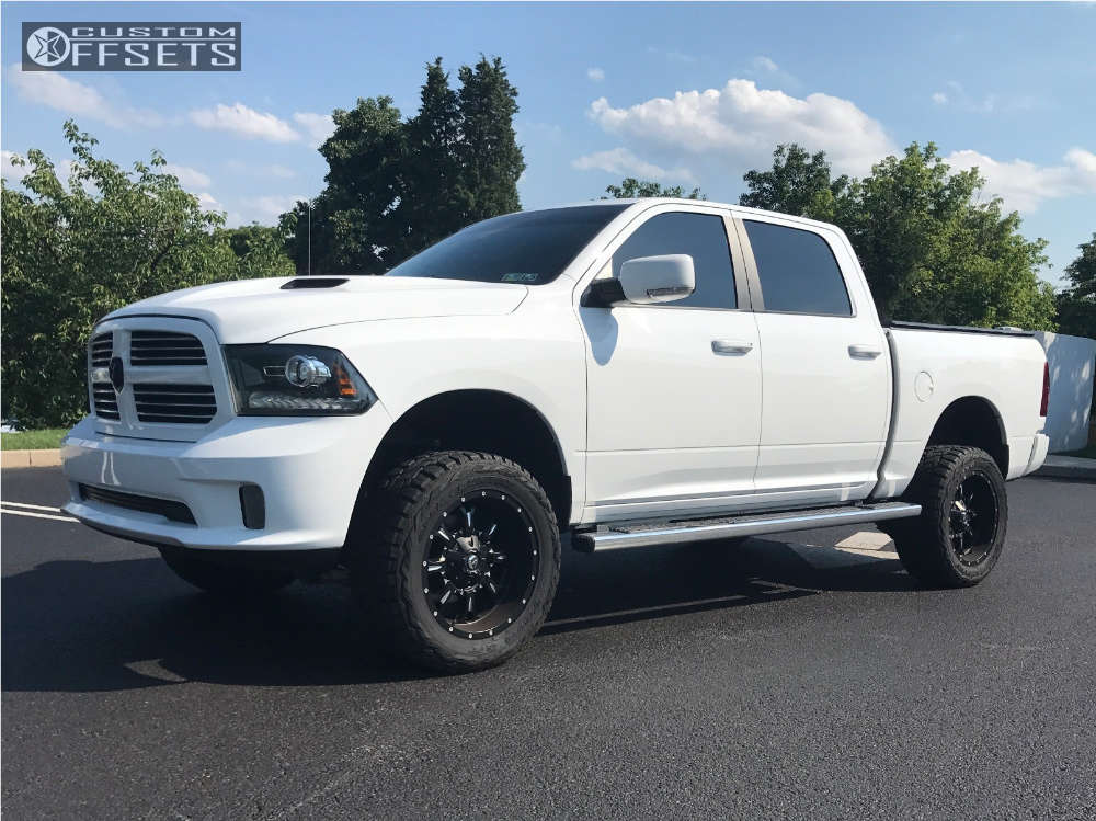 """2014 Ram 1500 Aggressive > 1"""" outside fender on 20x10 -12 offset Fuel Krank & 33""""x12.5"""" Toyo Tires Open Country R/T on Suspension Lift 4"""" - Custom Offsets Gallery"""