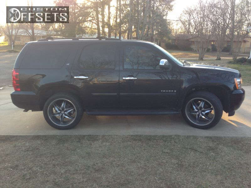 2007 Chevrolet Tahoe  on 22x9.5 10 offset Helo HE866 and 305/40 Pirelli P-zero on  - Custom Offsets Gallery