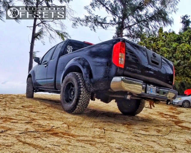 """2007 Nissan Frontier Aggressive > 1"""" outside fender on 16x8 -12 offset Pro Comp Series 89 and 265/75 BFGoodrich All Terrain TA KO2 on Leveling Kit - Custom Offsets Gallery"""