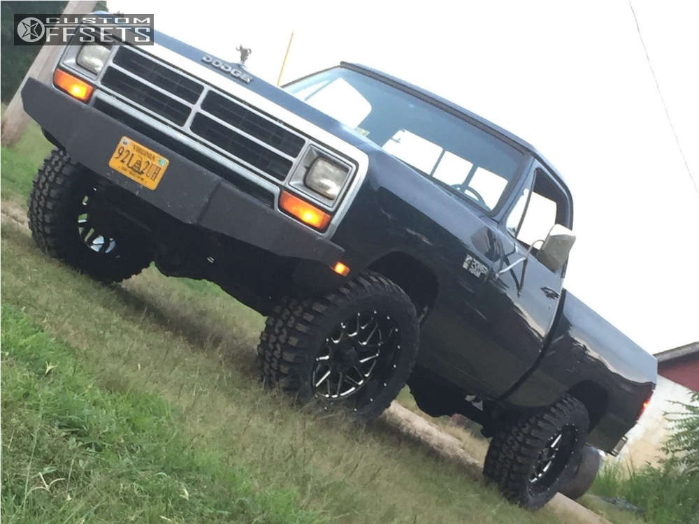 """1986 Dodge W150 Slightly Aggressive on 20x10 -19 offset Hostile Sprocket and 33""""x12.5"""" Federal Couragia Mt on Stock Suspension - Custom Offsets Gallery"""