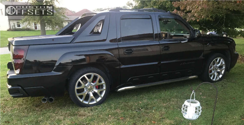 2005 Chevrolet Avalanche Flush on 22x9 31 offset Wheel Replicas V1176 and 265/35 Nitto Nt420s on Lowered 3F / 5R - Custom Offsets Gallery