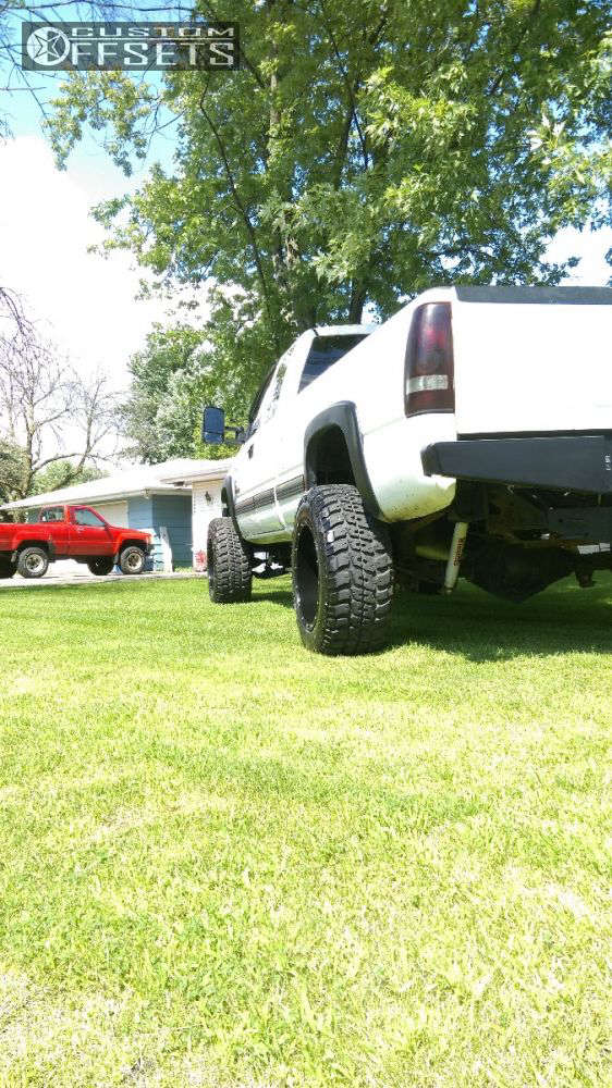 """2002 Chevrolet Silverado 2500 HD Super Aggressive 3""""-5"""" on 20x12 -44 offset Fuel Hostage and 35""""x12.5"""" Federal Couragia Mt on Suspension Lift 6"""" - Custom Offsets Gallery"""