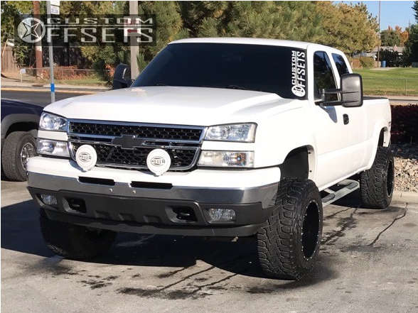 """2006 Chevrolet Silverado 1500 Aggressive > 1"""" outside fender on 18x12 -44 offset Moto Metal Mo962 and 33""""x12.5"""" Toyo Tires Open Country R/T on Suspension Lift 6"""" - Custom Offsets Gallery"""