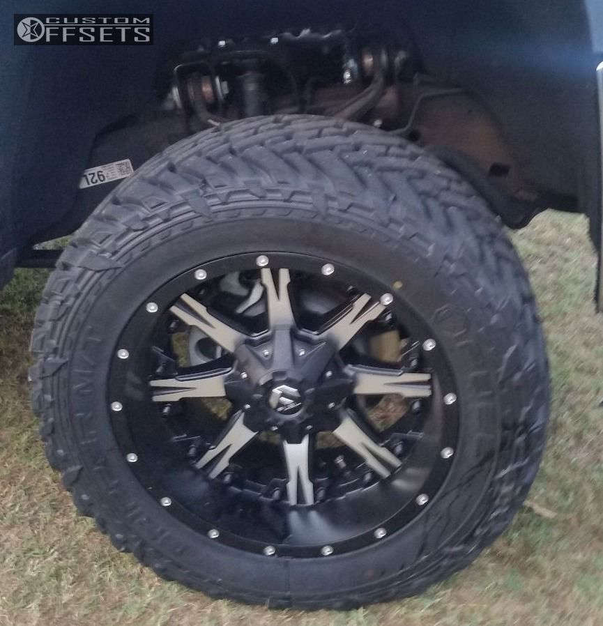 """2015 Chevrolet Silverado 2500 HD Aggressive > 1"""" outside fender on 20x10 -12 offset Fuel Nutz and 33""""x12.5"""" Fuel Mud Gripper on Leveling Kit - Custom Offsets Gallery"""