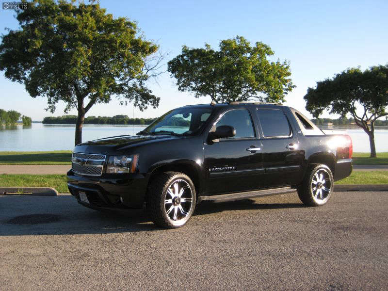 2007 Chevrolet Avalanche Tucked on 22x9.5 20 offset JR Cannon & 305/40 Nitto Terra Grappler G2 on Stock - Custom Offsets Gallery