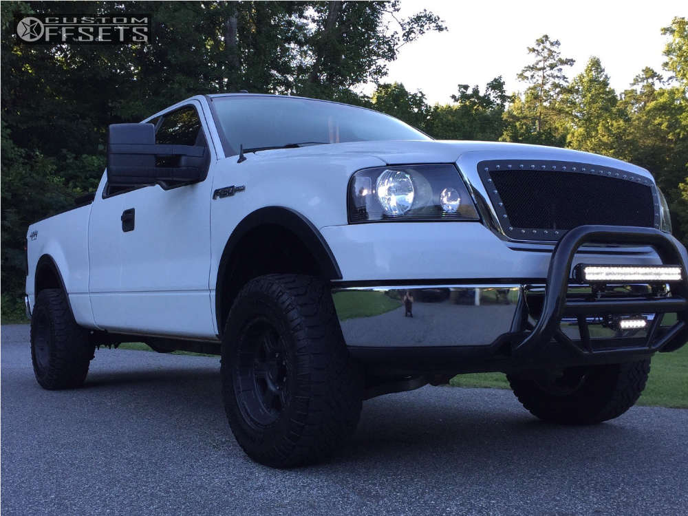 2007 Ford F-150 Slightly Aggressive on 17x8 0 offset Pro Comp Series 89 and 285/70 Goodyear Wrangler Duratrac on Leveling Kit - Custom Offsets Gallery