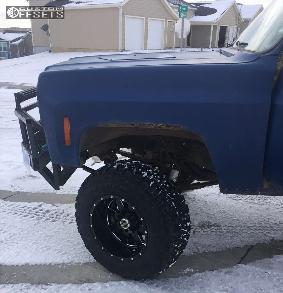 """1973 GMC K2500 Suburban Super Aggressive 3""""-5"""" on 18x12 -44 offset Moto Metal Mo962 and 35""""x12.5"""" Federal Couragia Mt on Suspension Lift 8"""" - Custom Offsets Gallery"""
