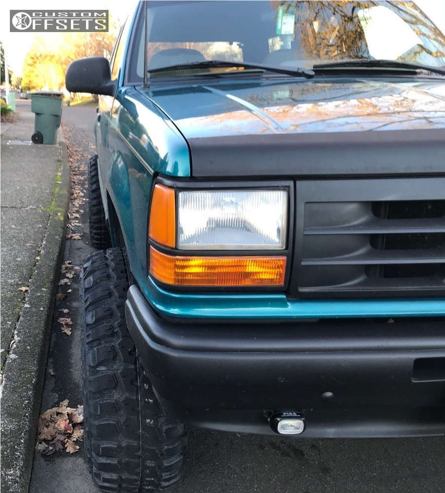"""1993 Ford Explorer Aggressive > 1"""" outside fender on 15x10 -44 offset Pro Comp Series 252 & 33""""x12.5"""" Federal Couragia MT on Suspension Lift 4"""" - Custom Offsets Gallery"""