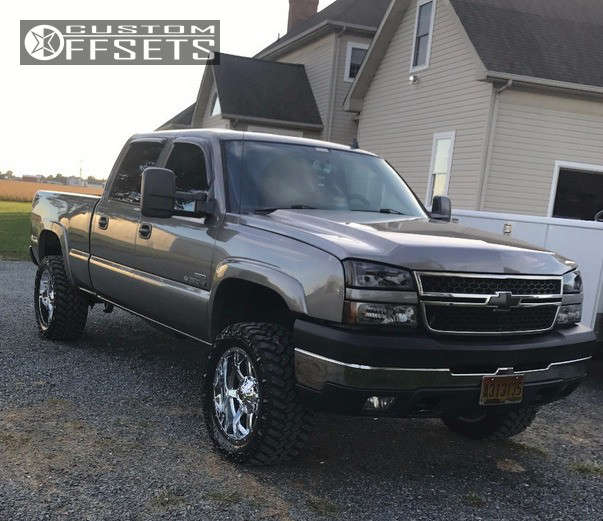 """2007 Chevrolet Silverado 2500 HD Classic Slightly Aggressive on 20x10 -12 offset Fuel Maverick and 33""""x12.5"""" Nitto Trail Grappler on Stock Suspension - Custom Offsets Gallery"""